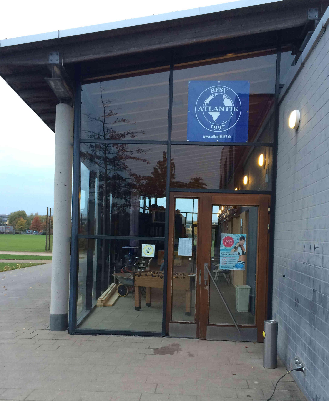 Eingang Banner Sportplatz 2000